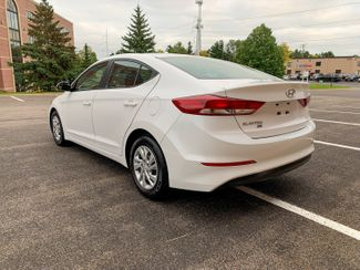 2018 Hyundai Elantra SE Maple Grove, Minnesota 2