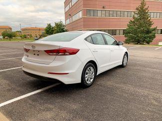2018 Hyundai Elantra SE Maple Grove, Minnesota 3