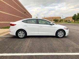 2018 Hyundai Elantra SE Maple Grove, Minnesota 9