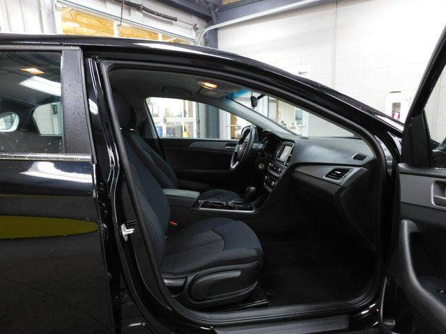 2018 Hyundai Sonata SE in Airport Motor Mile ( Metro Knoxville ), TN 37777
