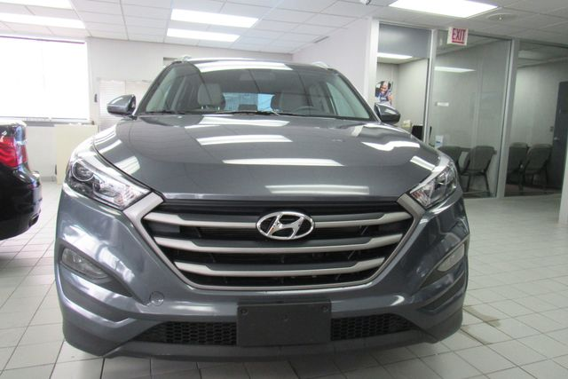 2018 Hyundai Tucson SEL w/ navigation system / back up cam Chicago, Illinois 1
