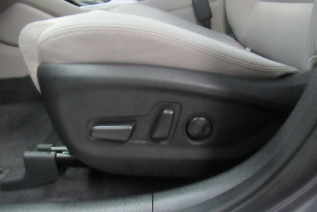 2018 Hyundai Tucson SEL w/ navigation system / back up cam Chicago, Illinois 12