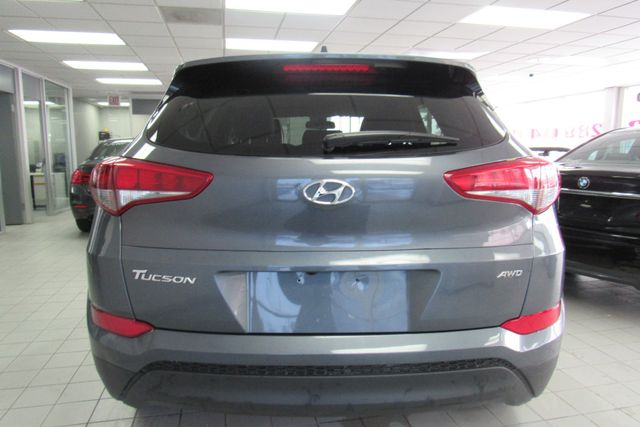 2018 Hyundai Tucson SEL w/ navigation system / back up cam Chicago, Illinois 5