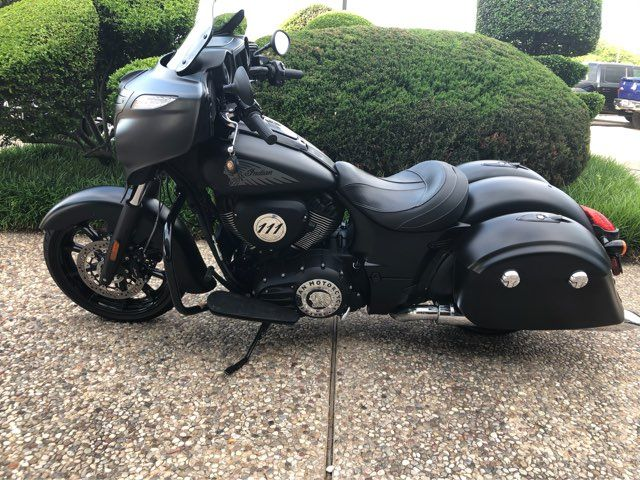 2018 Indian Chieftain Dark Horse in McKinney, TX 75070
