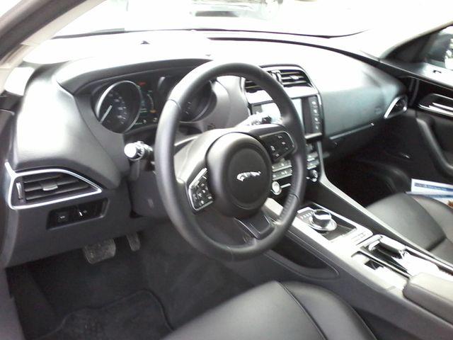 2018 Jaguar F-PACE 30t Premium Boerne, Texas 21