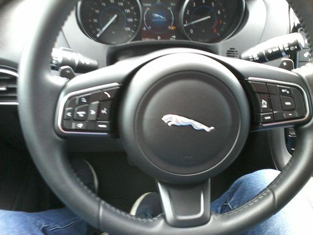 2018 Jaguar F-PACE 30t Premium Boerne, Texas 30
