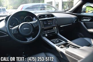 2018 Jaguar F-PACE 25t Premium Waterbury, Connecticut 15