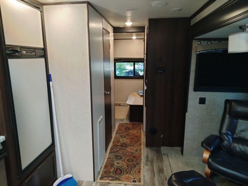 2018 Jayco JAY FLIGHT 31QBDS  city FL  Manatee RV  in Palmetto, FL