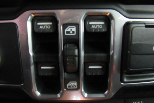 2018 Jeep All-New Wrangler Unlimited Sahara WNAVIGATION SYSTEM/ BACK UP CAM Chicago, Illinois 31
