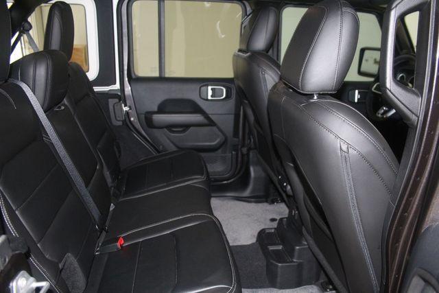 2018 Jeep All-New Wrangler Unlimited Sahara Houston, Texas 32