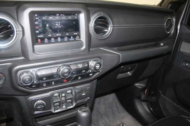 2018 Jeep All-New Wrangler Unlimited Sahara Houston, Texas 39