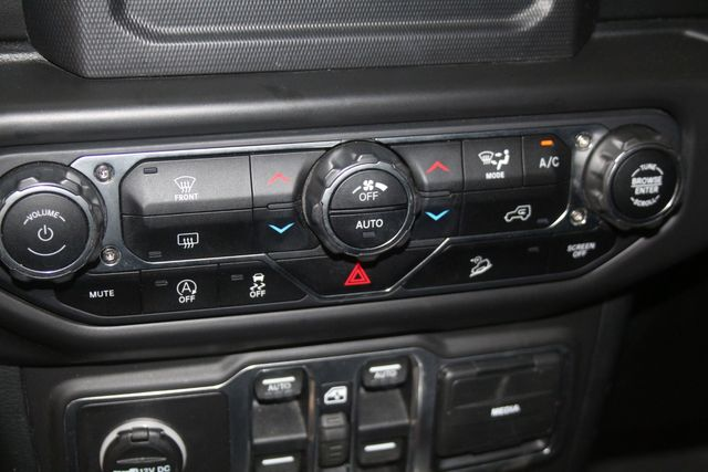 2018 Jeep All-New Wrangler Unlimited Sahara Houston, Texas 42