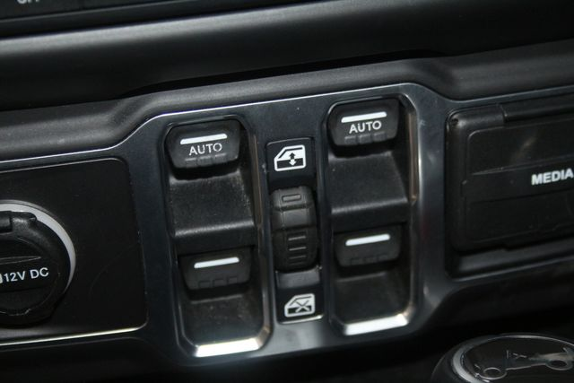 2018 Jeep All-New Wrangler Unlimited Sahara Houston, Texas 43