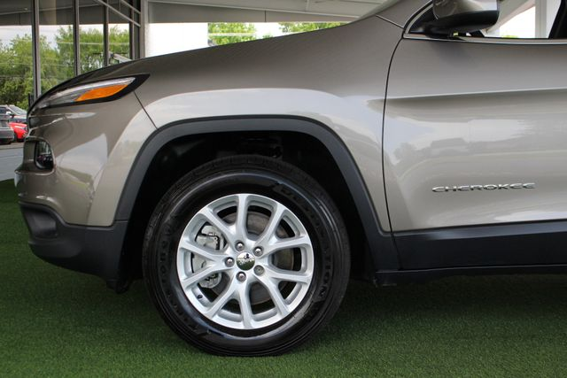 2018 Jeep Cherokee Latitude 4x4 - COLD WEATHER GROUP! Mooresville , NC 21
