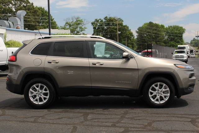 2018 Jeep Cherokee Latitude 4x4 - COLD WEATHER GROUP! Mooresville , NC 15