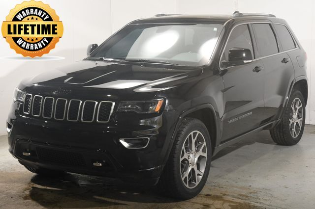 2018 Jeep Grand Cherokee Sterling Edition w/ Safety Tech