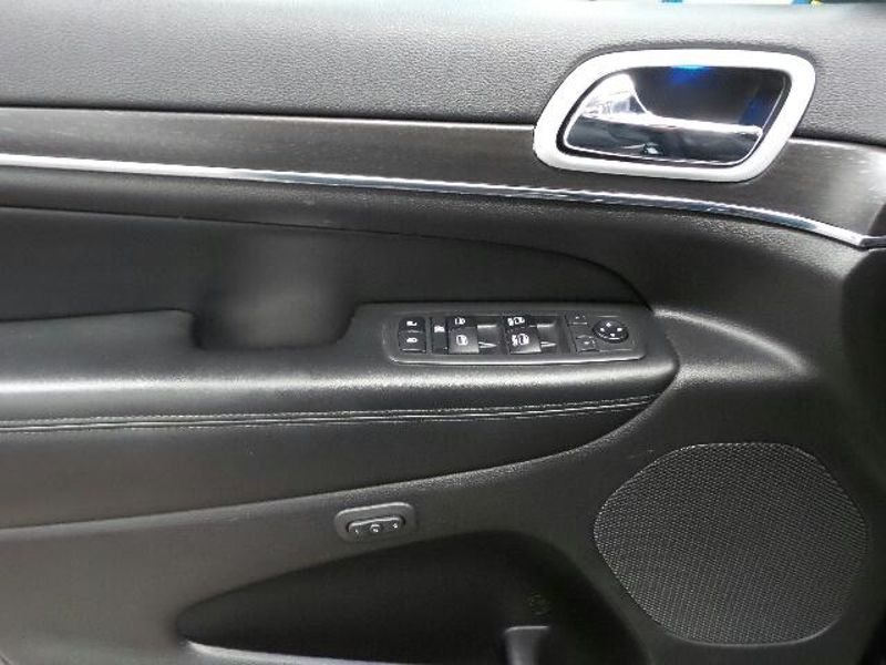 2018 Jeep Grand Cherokee Sterling Edition  in Victoria, MN