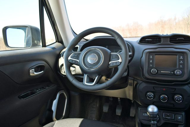 2018 Jeep Renegade Sport Naugatuck, Connecticut 12