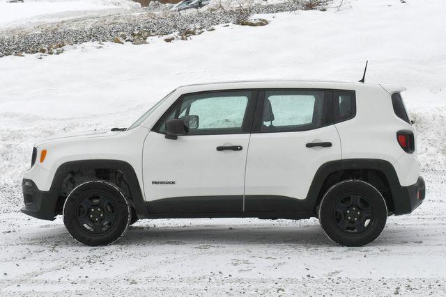 2018 Jeep Renegade Sport Naugatuck, Connecticut 3