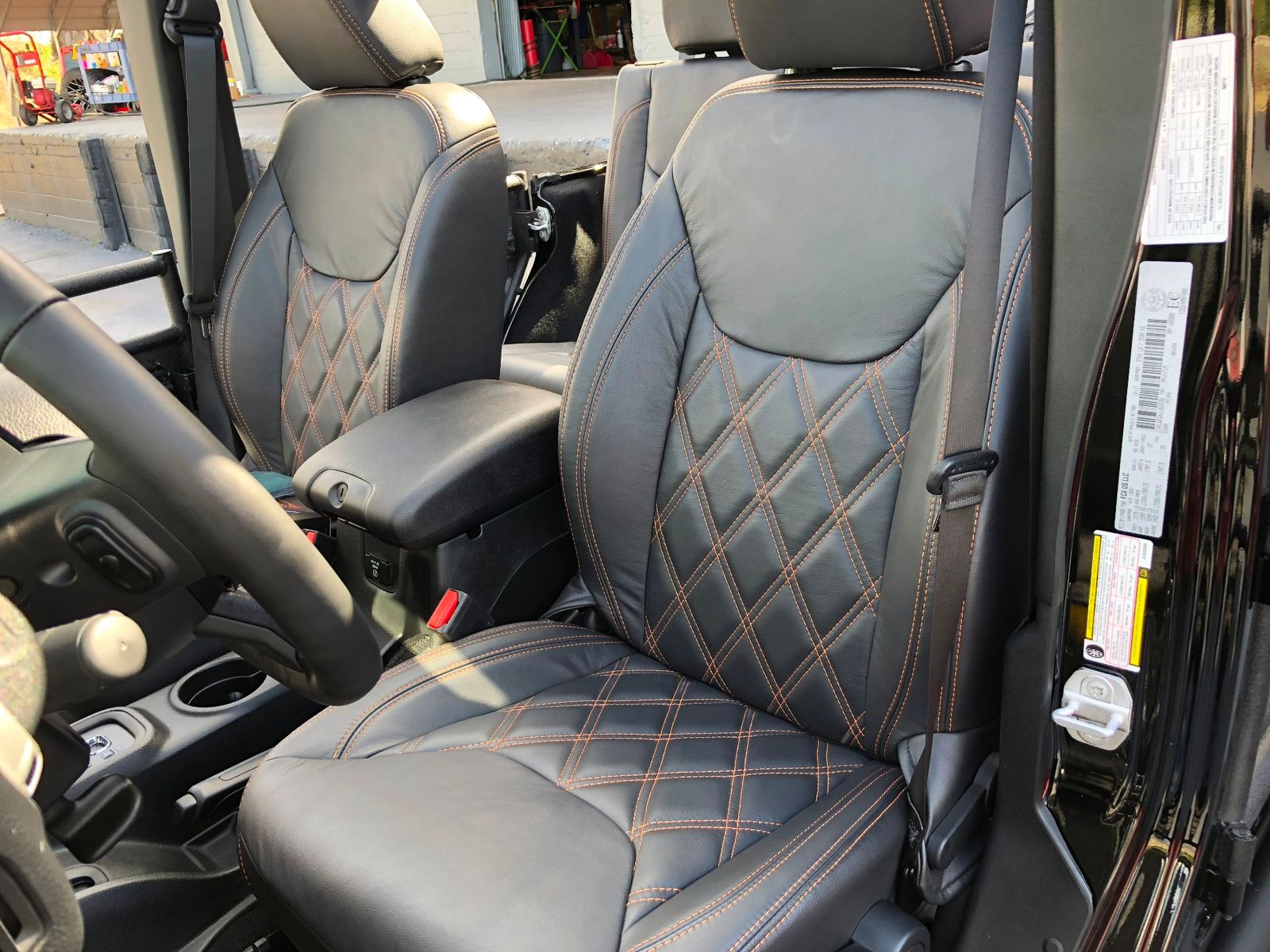 Leather Jeep Seats >> Jeep Wrangler Unlimited Leather Seats