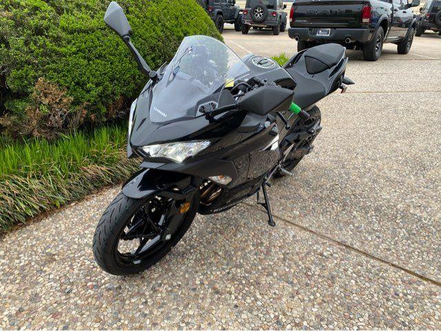 2018 Kawasaki Ninja 400 EX400HJ in McKinney, TX 75070