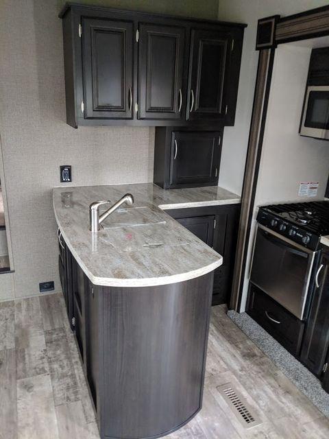 2018 Kz Durango 1500 D251RLT Mandan, North Dakota 9