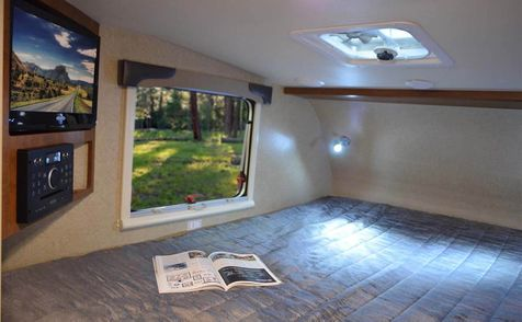 650 REDUCED Lance 2018 Used Truck camper Short Bed  in Livermore, California