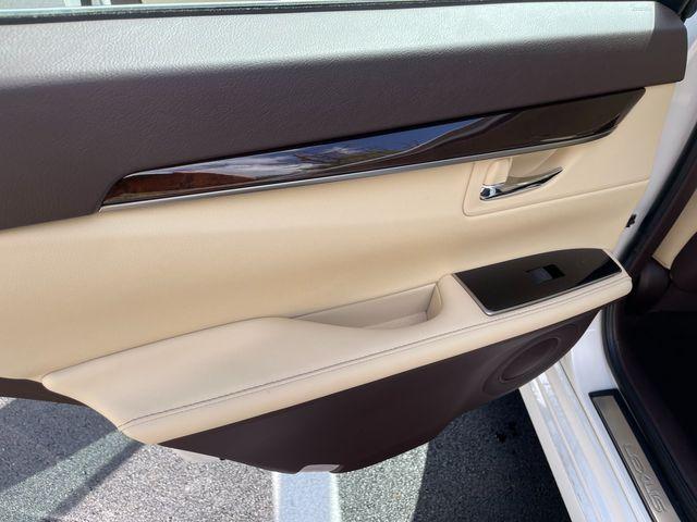 2018 Lexus ES 350 Latham, New York 16