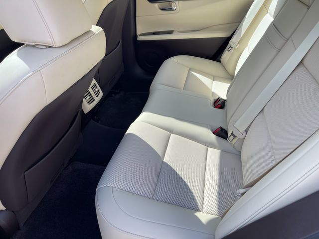 2018 Lexus ES 350 Latham, New York 17