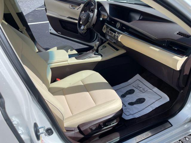 2018 Lexus ES 350 Latham, New York 20