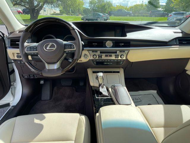 2018 Lexus ES 350 Latham, New York 23