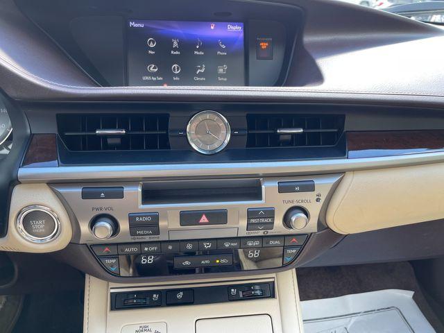 2018 Lexus ES 350 Latham, New York 27