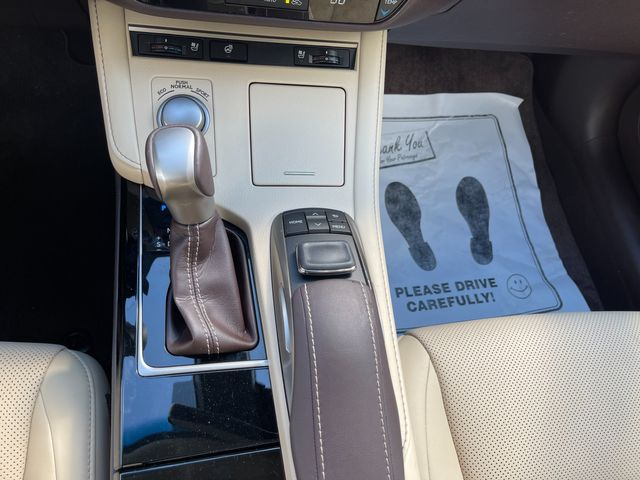 2018 Lexus ES 350 Latham, New York 29