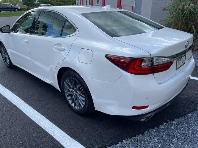 2018 Lexus ES 350 Latham, New York 3