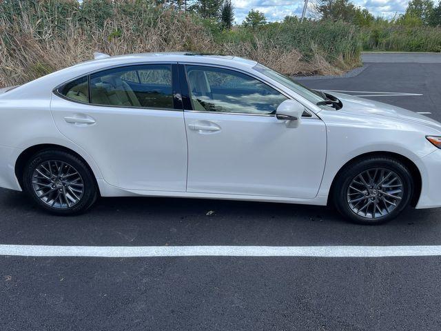 2018 Lexus ES 350 Latham, New York 6
