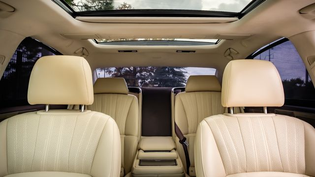 2018 Lexus LS 500 LUXURY PACKAGE~ GLASS PANO ROOF HEADS UP DISPLAY in Memphis, TN 38115