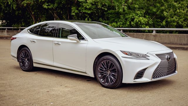 2018 Lexus LS 500 LUXURY PACKAGE~ GLASS PANO ROOF HEADS UP DISPLAY