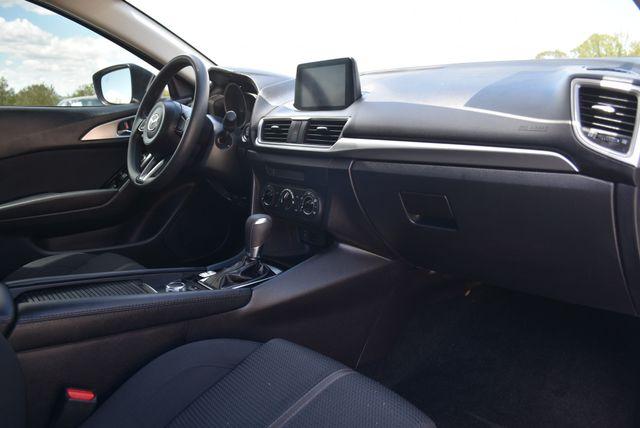2018 Mazda Mazda3 4-Door Sport Naugatuck, Connecticut 8