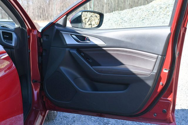 2018 Mazda Mazda3 4-Door Touring Naugatuck, Connecticut 12