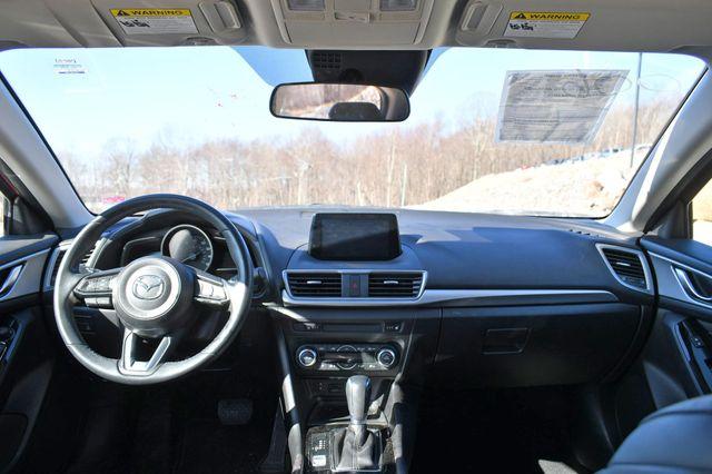 2018 Mazda Mazda3 4-Door Touring Naugatuck, Connecticut 18