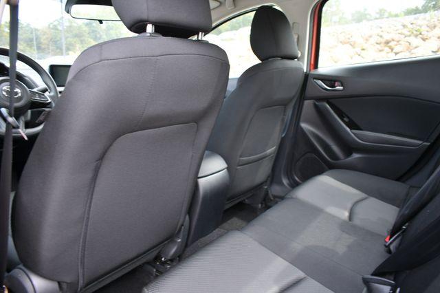 2018 Mazda Mazda3 4-Door Sport Naugatuck, Connecticut 13