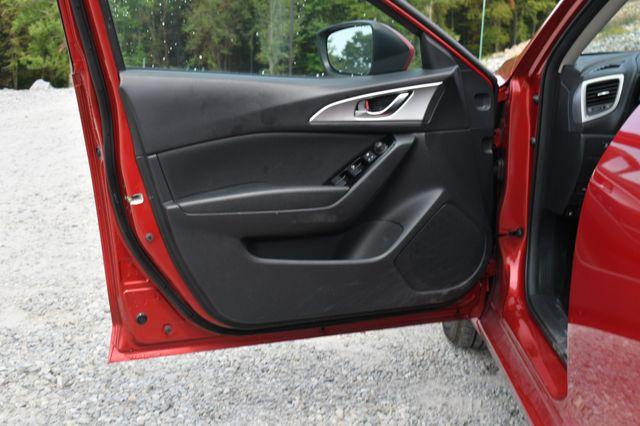 2018 Mazda Mazda3 4-Door Sport Naugatuck, Connecticut 18