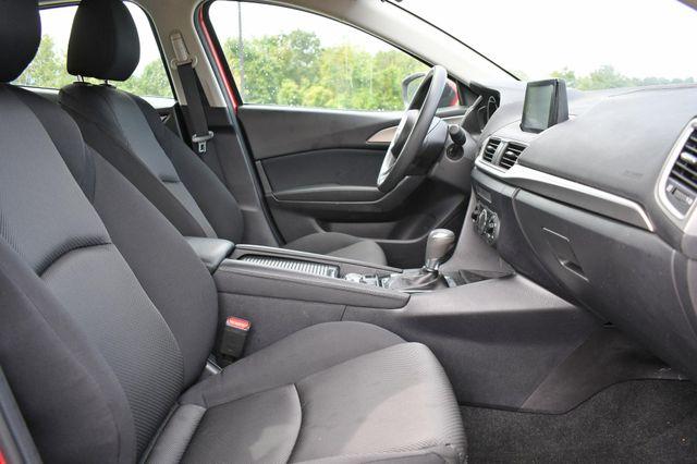 2018 Mazda Mazda3 4-Door Sport Naugatuck, Connecticut 9