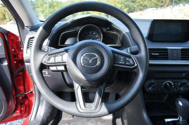 2018 Mazda Mazda3 4-Door Sport Naugatuck, Connecticut 17