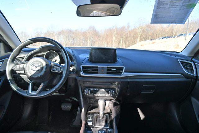 2018 Mazda Mazda3 4-Door Touring Naugatuck, Connecticut 16