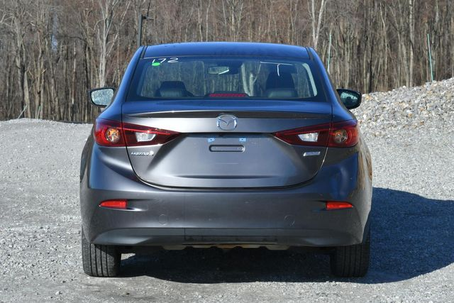 2018 Mazda Mazda3 4-Door Touring Naugatuck, Connecticut 3