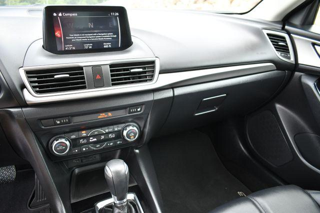 2018 Mazda Mazda3 5-Door Touring Naugatuck, Connecticut 19