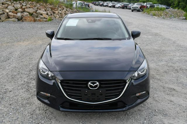 2018 Mazda Mazda3 5-Door Touring Naugatuck, Connecticut 9