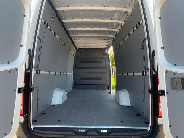 2018 Mercedes-Benz Sprinter Cargo Van Worker Chicago, Illinois 17
