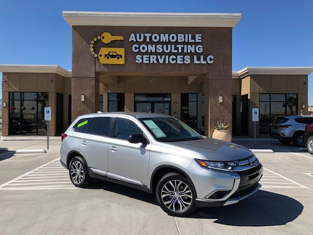 2018 Mitsubishi Outlander ES 3 ROW in Bullhead City, AZ 86442-6452